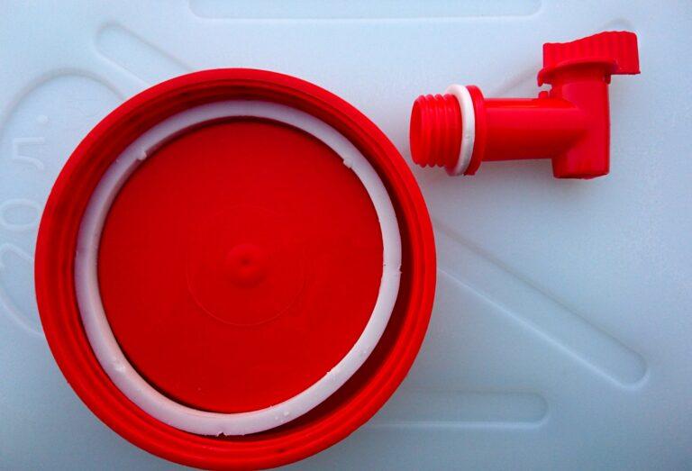 Канистра умывальник с краном для воды 20 литров